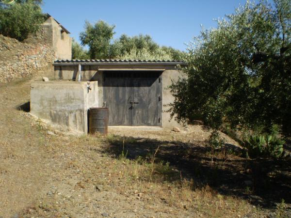<h2>Finca rústica en RIUDECANYES <small><small>(ref.01144)</small></small></h2><h3>29.000 €</h3>